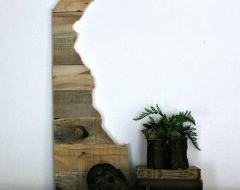 DELAWARE State Wood Wall Decor | Reclaimed Wood | Pallet Wood | Perfect Gift for Any Occasion | Gallery Wall | Large Size