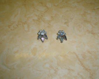 vintage clip on earrings silvertone blue aurora borealis rhinestones