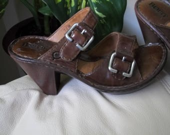 Sweet Vintage BORN Brown Leather Wooden Clogs Shoes Heels Platforms 7