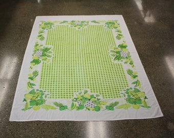 Vintage Green Checkered Vegetable Basket Table Cloth (E9008)
