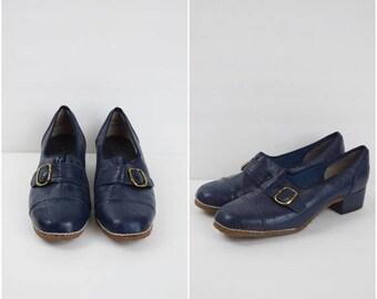 Summer Sale Vintage Silver Steps navy blue buckled shoes / retro heeled oxfords