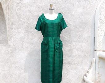 Vintage 50s Green Dress, Silk Sheath, Big Pockets and Button Dress, Large Size