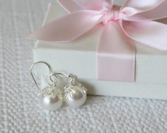 SET of 4 pairs Bridesmaids earrings, Leaf pearl earrings, bridesmaids gift, Large pearl earrings, bridesmaids gift set, bridal party gifts