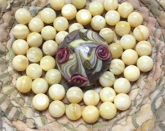 1 piece 20mm lampwork glass flower bead 50 pieces round cream glass beads