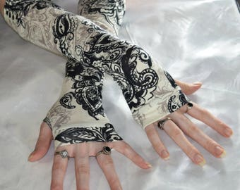 Mehndi Arm Warmers Fingerless gloves sleeves armwarmers - Gilded Age - Gothic ivory beige black cotton knit goth belly dance tribal gypsy
