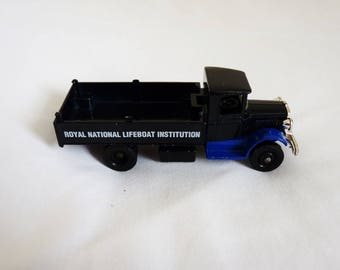 Vintage lledo royal national lifeboat institution toy truck
