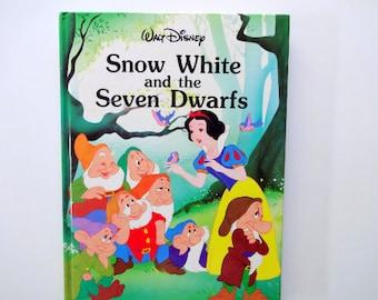 Vintage Walt Disney's Snow White Hardback Children's Book 1986