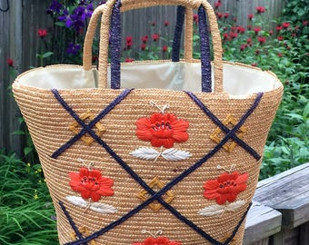Big & Sturdy Straw Beach Tote With Waterproof Lining