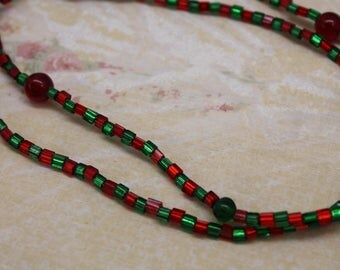 Fun Green and Red Glass Bead Christmas Necklace