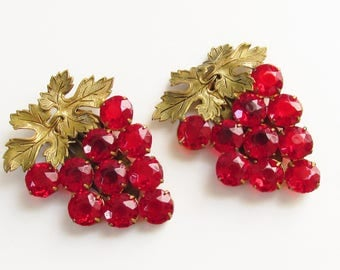Pair Red Rhinestone Grape Cluster Duette Dress Clips 1930s 1940s Vintage