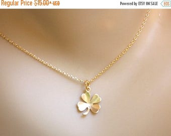 SALE Clover Necklace, Gold Clover Pendant, Lucky Charm, Shamrock, Leaf Necklace, Gold Filled, Simple Jewelry, Everyday Jewelry, Minimalist,