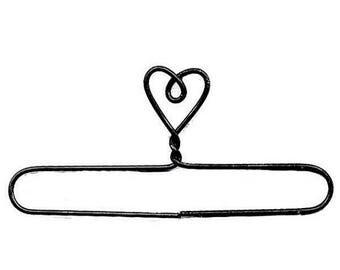 12% off thru July Set of six 7.5 inch wire doll-quilt- needlework hanger-- heart top split bottom~ackfeld~MADE IN USA