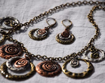 Artsy Circle Necklace and Earrings