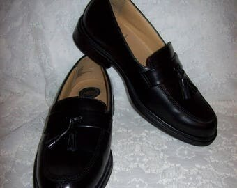 Vintage Men's Black Leather Slip On Tassel Loafers by Croft & Barrow Size 8 Only 20 USD