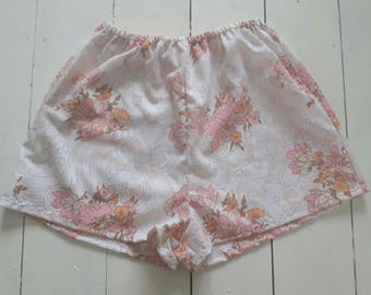 Vintage cotton flowery shorts