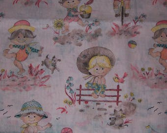 Adorable Kids Having Fun in Summer Fabric -- Possibly from 1970s -- FREE SHIPPING