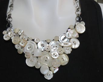 Pearl Button Necklace, Vintage Shell Button Necklace, Bid Necklace
