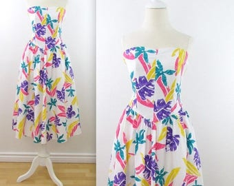 SALE 1980s Colour Pop Palm Print Strapless Dress - Vintage 80s Circle Skirt Cotton Summer Dress in Small