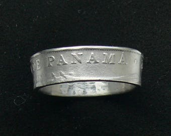 Ladies 1982 Republica de Panama 5 Centesimos Coin Ring, Ring Size  6 1/2 and Double Sided