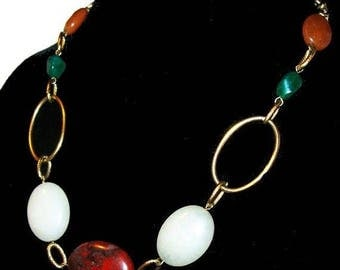 "Red Agate Bead Necklace Green White Quartz Stones Gold Metal Links 16"" Vintage"