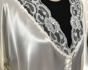 California Dynasty Satin Robe, Large