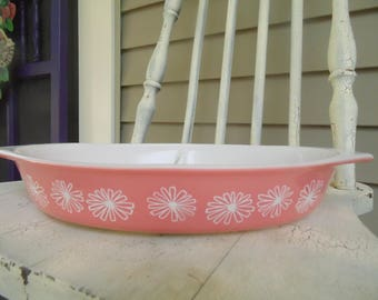 Vintage Pink Daisy Pyrex Divided Vegetable Dish - 1.5 Quart