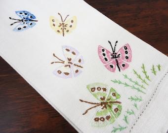 Embroidered Linen Fingertip Guest Towel with Butterflies  11 x 19