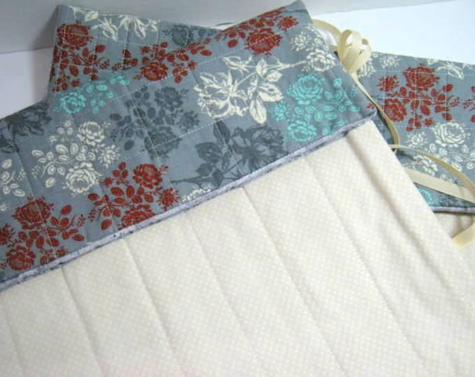Quilted Circular Straight Knitting Needles Organizer Roll Set Flowers on Blue