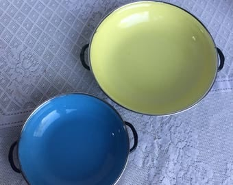 Paella Pans / Vintage Set of Two Enameled Pans / Blue and Yellow Pan Made in Yugoslavia