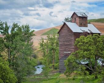 Oregon Photograph | Abandoned Oregon | Old Barn Photo | Eastern Oregon | Farm Print | Boyd Oregon | Abandoned Building | Rustic Decor