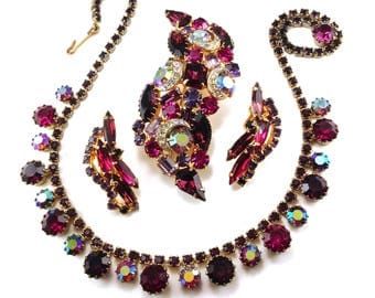 Weiss Necklace Brooch Earrings To Match Deep Plum Purple Pinks Aurora Borealis Clear Crescents