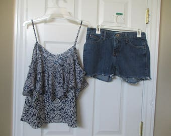 "Wrangler CUTOFF JEAN SHORTS Cut Off W 29 Measured Hot Pants High Waisted 29"" waist with top"
