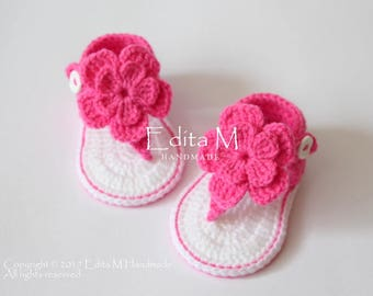 Crochet baby sandals, gladiator sandals, booties, shoes, white, pink, fuschia, gift, flower sandals, baby sandles, 6-9  months, gift idea