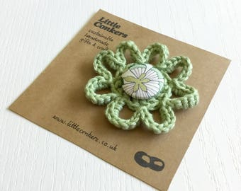 Green Flower Brooch Pin Handmade Floral Brooch Summer Vintage Round / Small Gift for Women