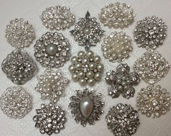 SALE 15 pc Assortment Medium Pearl and CRYSTAL Rhinestone Silver or Gold Metal Brooches with PINS Wedding Invitation Brooch Bouquet