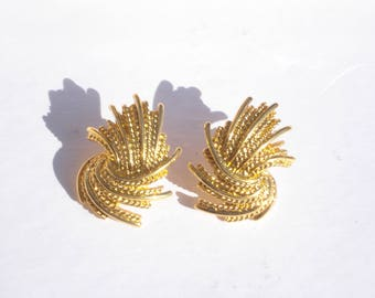 Monet Earrings - Vintage Gold Costume Jewelry  - Retro Gold Tone