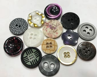 14 piece acrylic button mix, 23-28 mm (1)