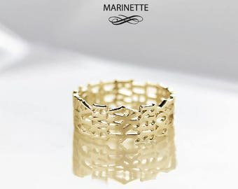 The scroll mantra ring - solid 14K gold