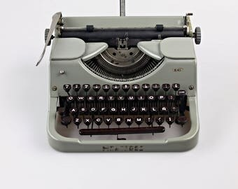 Mercedes K45 - Vintage Manual Typewriter - Include New Ribbon B&R