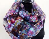 Grand SNOOD, écharpe tube, en soie et polyester voile fuchsia, bleu  et multicolore