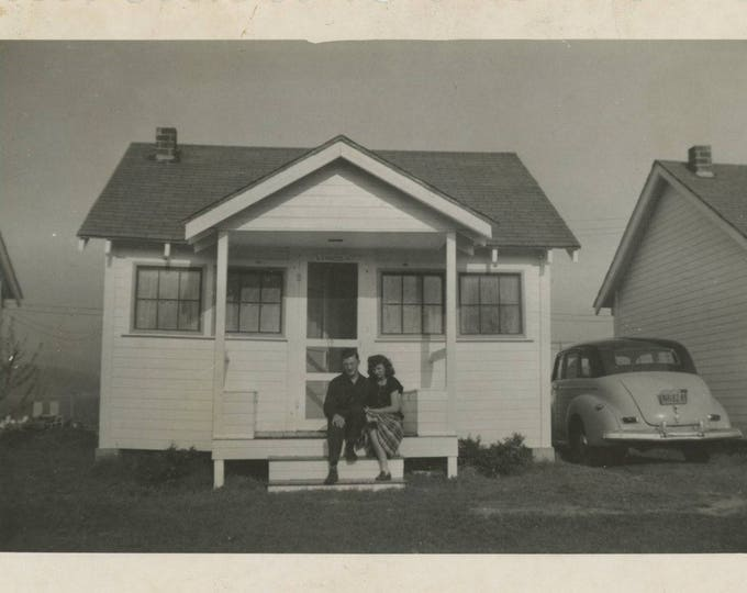 Vintage Snapshot Photo; Tiny House, 1940s [81638]