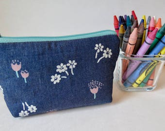 Crayons pouch