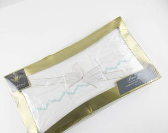 Bed Set - NIB - Full Flat Sheet and Pair of Pillowcases - 'Fieldcrest Duracale' - Combed Percale - Turquoise Scallop Detailing - Sealed Box