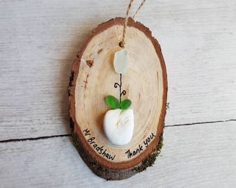 Teachers Gift, Gift for Teacher, Thank you Gift, Small Gift, Pebble Art, Rustic, Wood Slice, Seaglass, Seaglass Flower