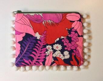 Flower pom pom pouch