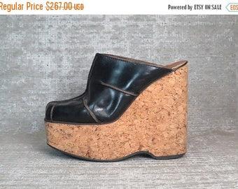 40OFF Vtg 70s Blk Leather Cork Platform Wedge Clogs Mules Shoes 39
