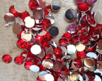 Set of 100 Red rhinestone acrylic 4 mm