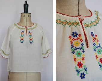 Vintage 1960s 70s embroidered peasant blouse - Peasant blouse - Embroidered blouse - Peasant top - Folk blouse - Gypsy blouse - Boho - Hippy
