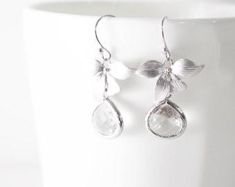 Clear Crystal Earrings // Silver Leaf Earrings // Bridesmaid Gift //  Clear Glass Crystal Earrings // Wedding Jewelry