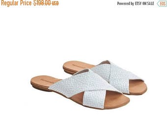 ON SALE White crossover sliders, Simone, textured leather flat sandals